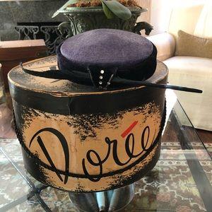 Vintage 40's / 50's Fastener Hat Pillbox